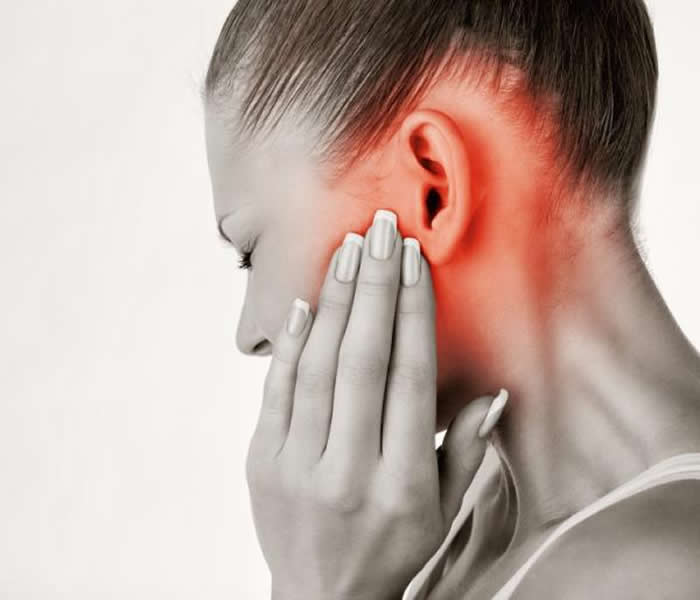 Symptoms of an adult ear infection wears