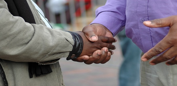 5 Subtle Behaviors That Make People Trust You
