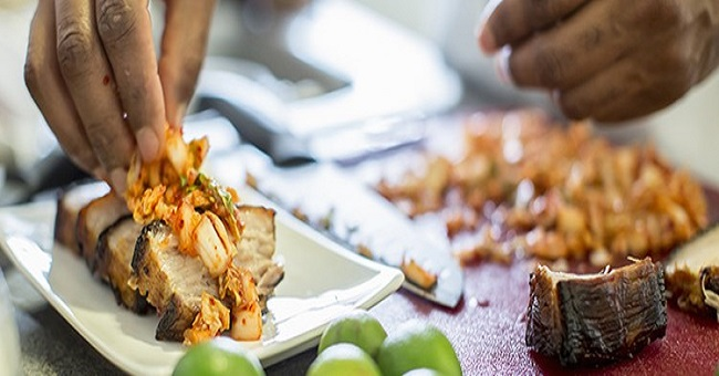Tips to enjoy street food and keep germs at bay